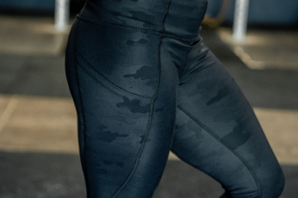 "Lift & Lounge Black Camo Leggings 28"" - 2POOD"