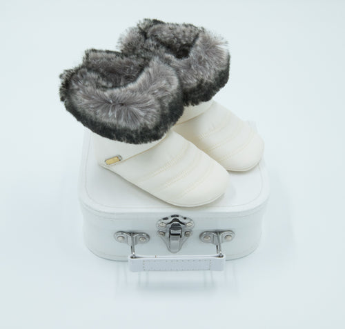 Baby Dior – Chaussons Bootee