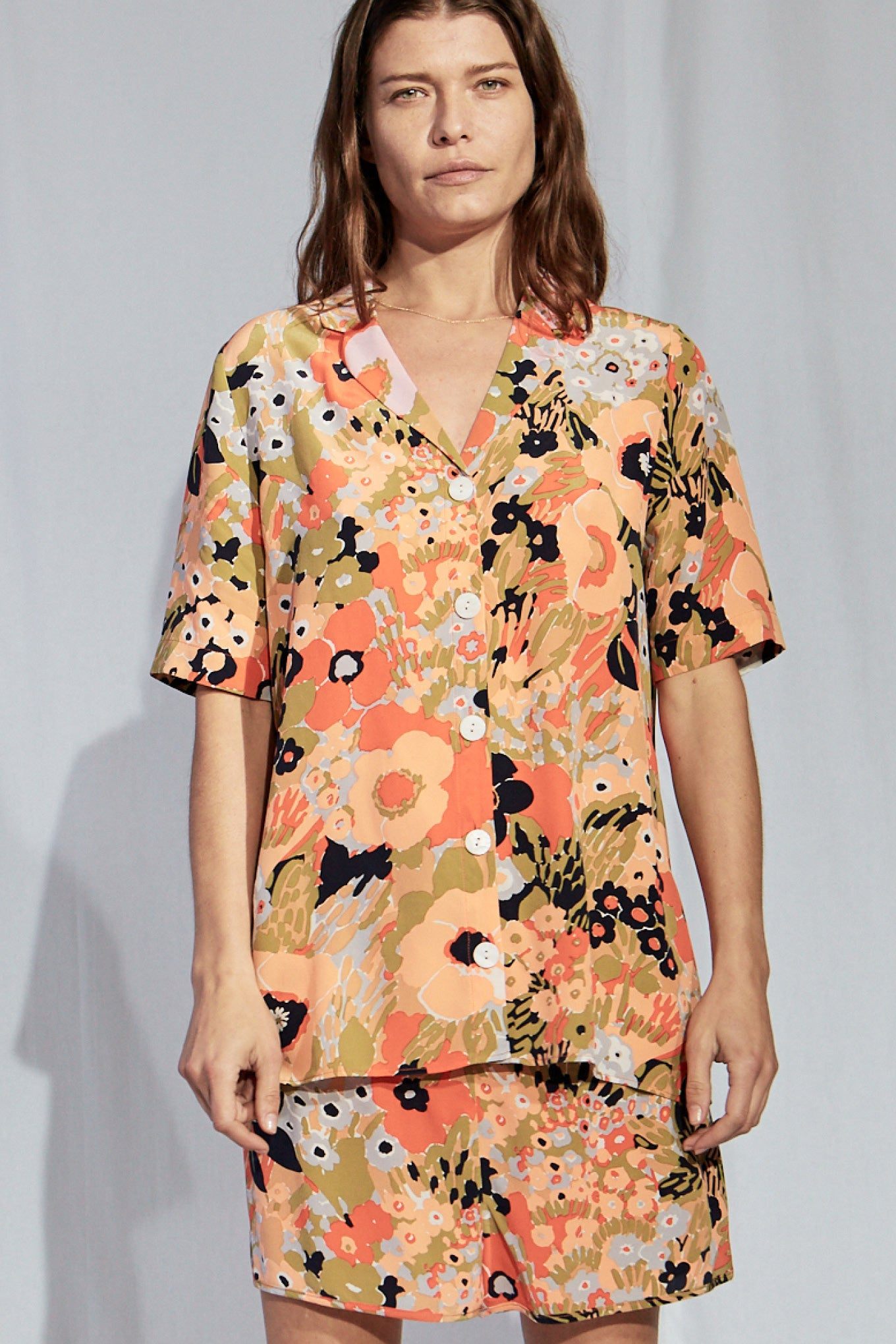 JAMIE SS SHIRT - PEACH FLOWER