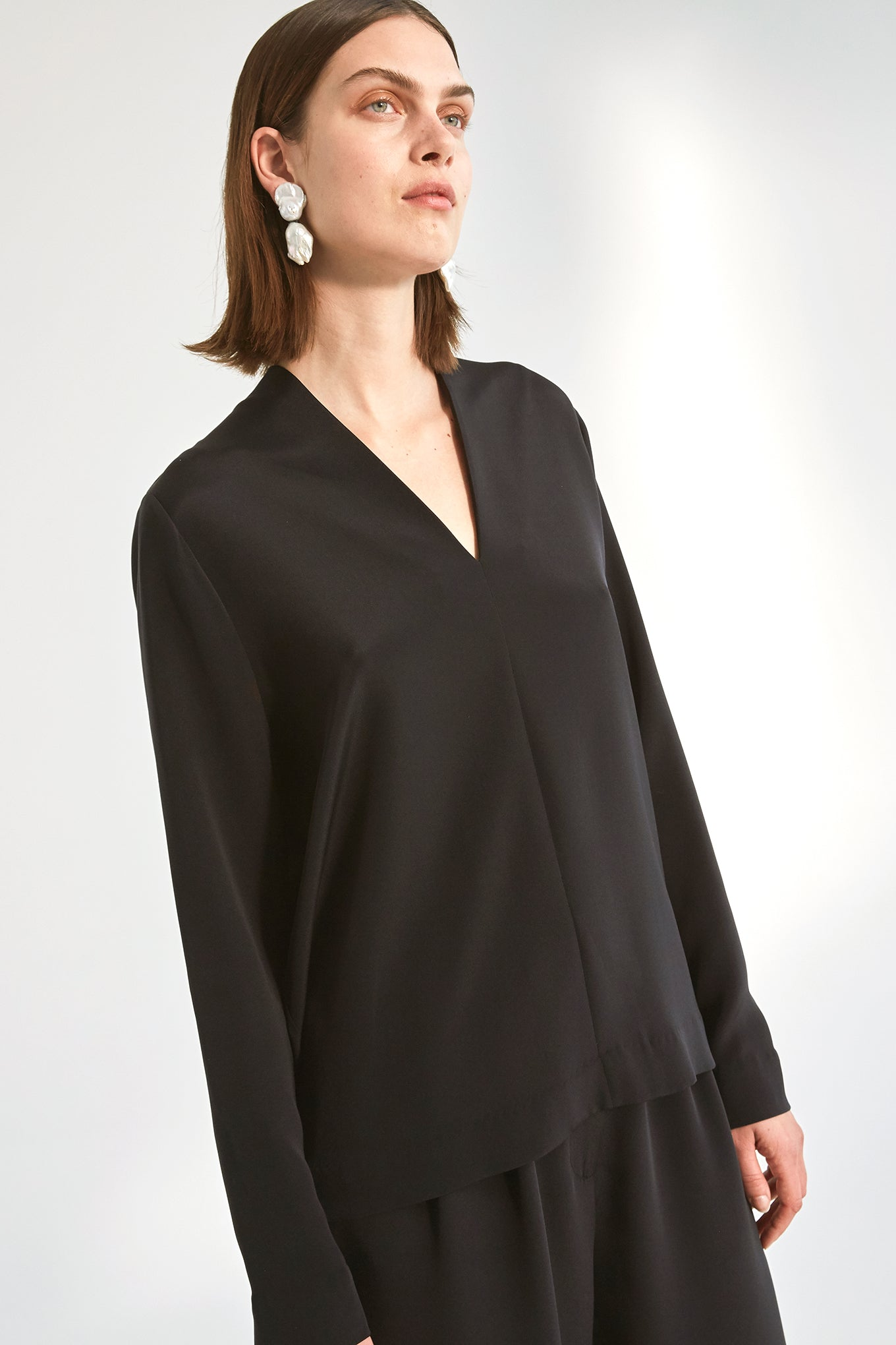 Nila Blouse - Black - Silk/Spandex