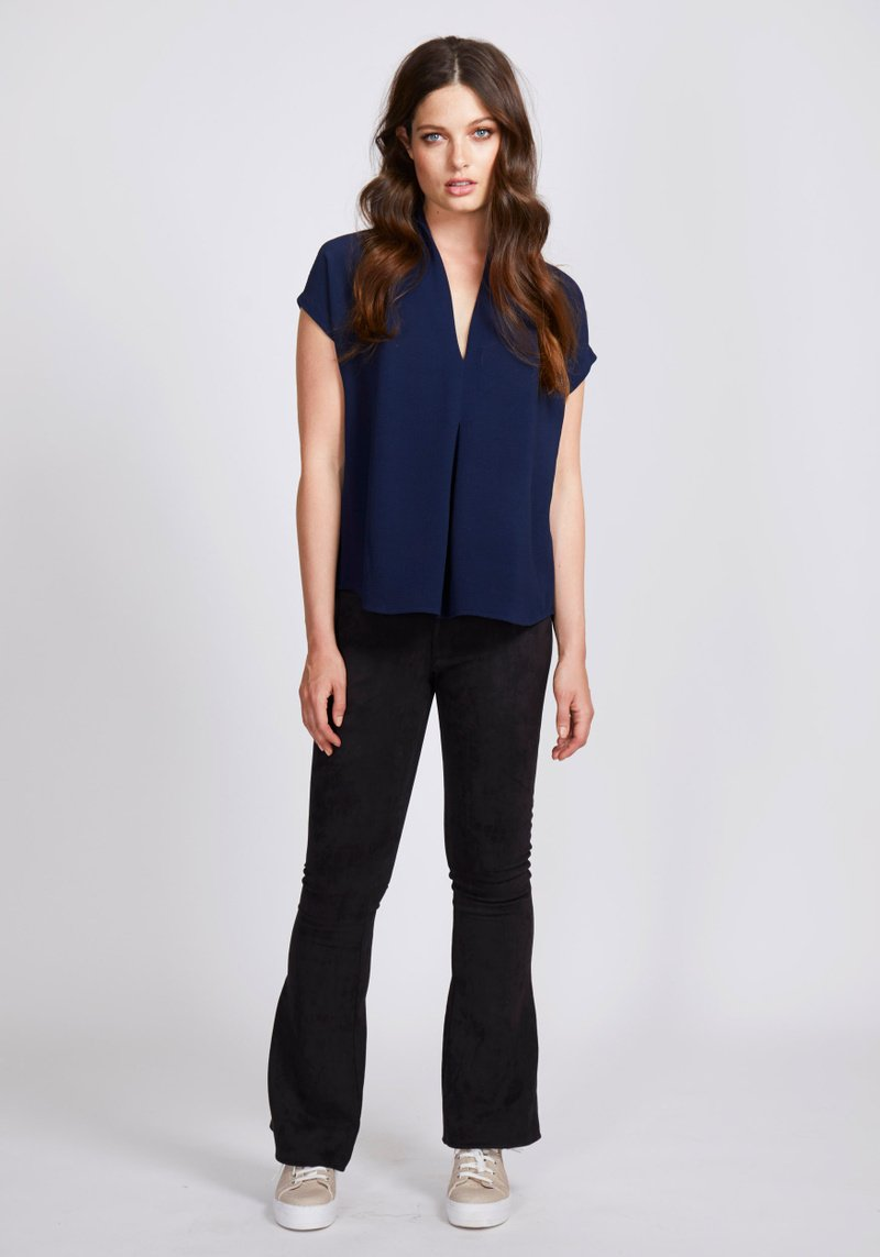 Dry Lake Eva Blouse Navy - Mojo Independent Store
