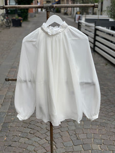 Ida Sjöstedt Phoebe Blouse Silky Chiffon Ivory - Mojo Independent Store