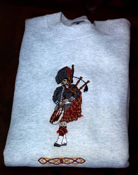 Large Piper Sweatshirt with Celtic Knot