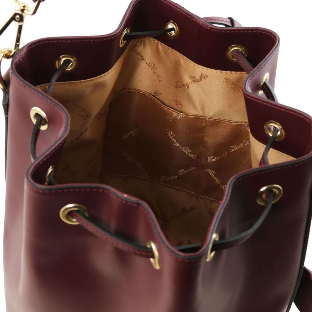 Vittoria Smooth Leather Bucket Bag_28