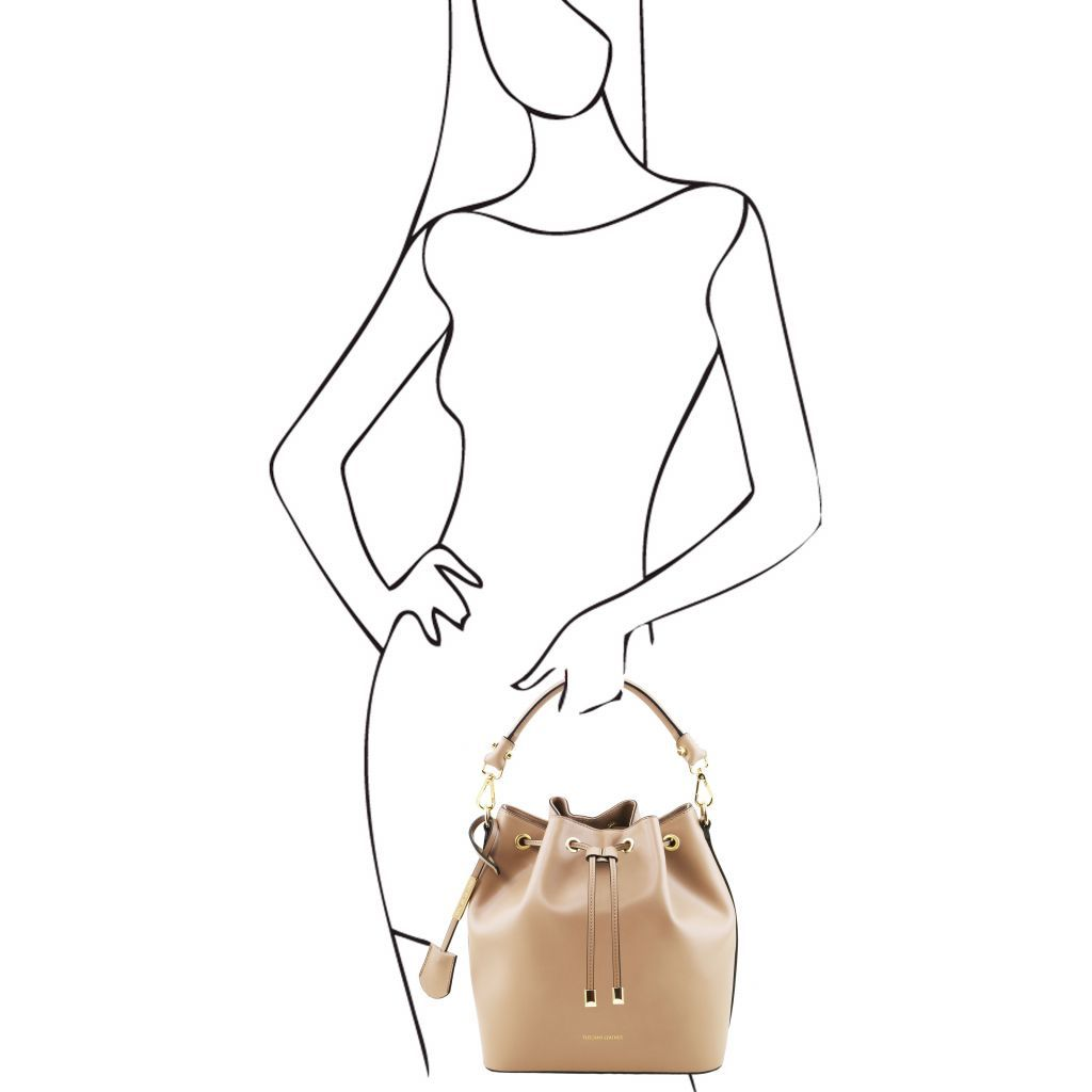 Vittoria Smooth Leather Bucket Bag_23