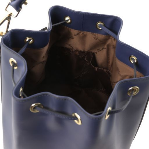 Vittoria Smooth Leather Bucket Bag_11