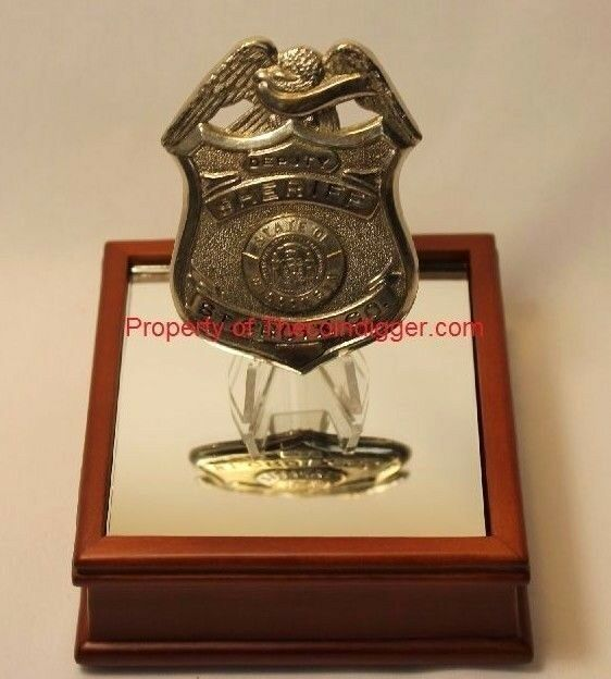 Display Stand Easel & Wood Base Mirror Holder for Badge Token Medallion Air-tite