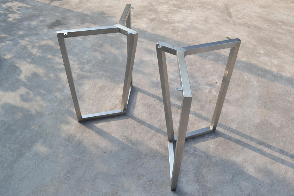28'' Bracket Metal Table Base - ivadecorstudio