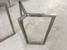 Load image into Gallery viewer, 28'' Bracket Metal Table Base - ivadecorstudio