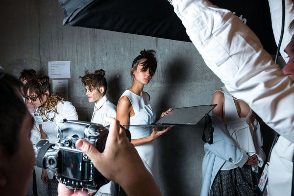 Backstage - models poses - Pimplate