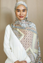 Load image into Gallery viewer, Adeeva Printed Shawl (Soft Brown)
