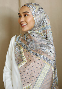 Adeeva Printed Shawl (Soft Brown)