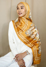 Load image into Gallery viewer, Busaina Printed Shawl (Mustard Gold)