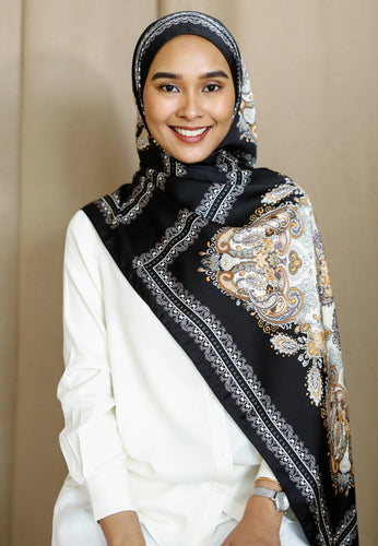Busaina Printed Shawl (Black)