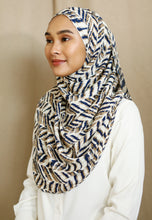 Load image into Gallery viewer, Zaheera Printed Shawl (Blue)