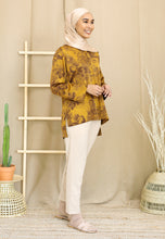 Load image into Gallery viewer, Irsaa Printed Top (Mustard Gold)