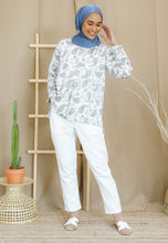 Load image into Gallery viewer, Irsaa Printed Top (White - Paisley)