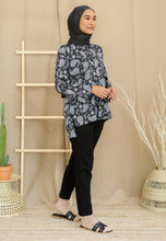 Load image into Gallery viewer, Irsaa Printed Top (Black - Paisley)