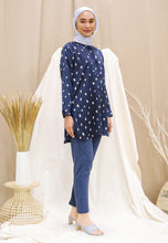 Load image into Gallery viewer, Naarisa Printed Top (Navy Blue)