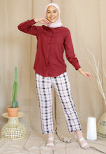 Load image into Gallery viewer, Tahiraa Basic Top (Maroon)