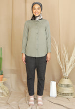 Load image into Gallery viewer, Tahiraa Basic Top (Dusty Green)