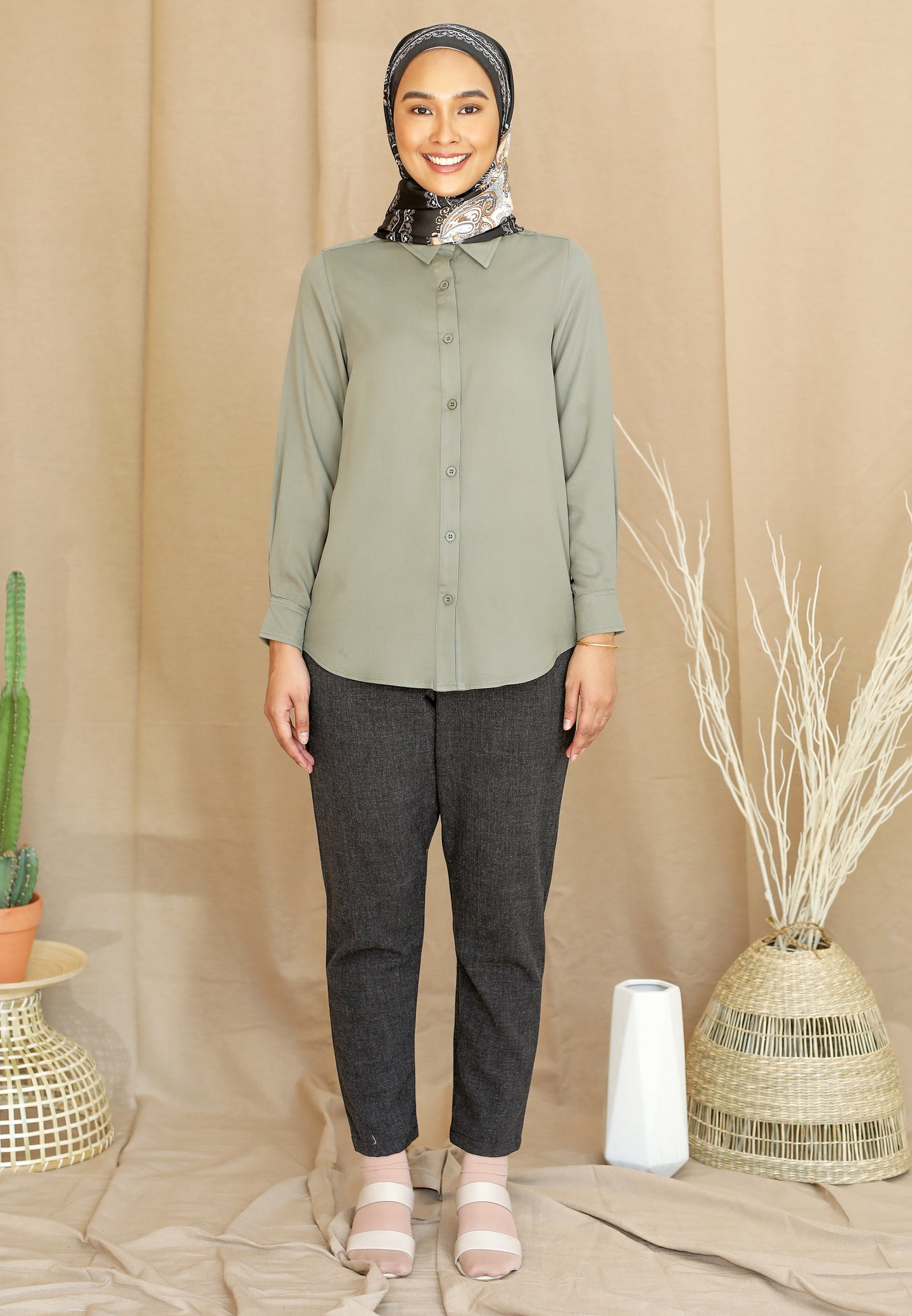 Tahiraa Basic Top (Dusty Green)