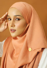 Load image into Gallery viewer, Hasnaa Cotton Shawl (Peach)