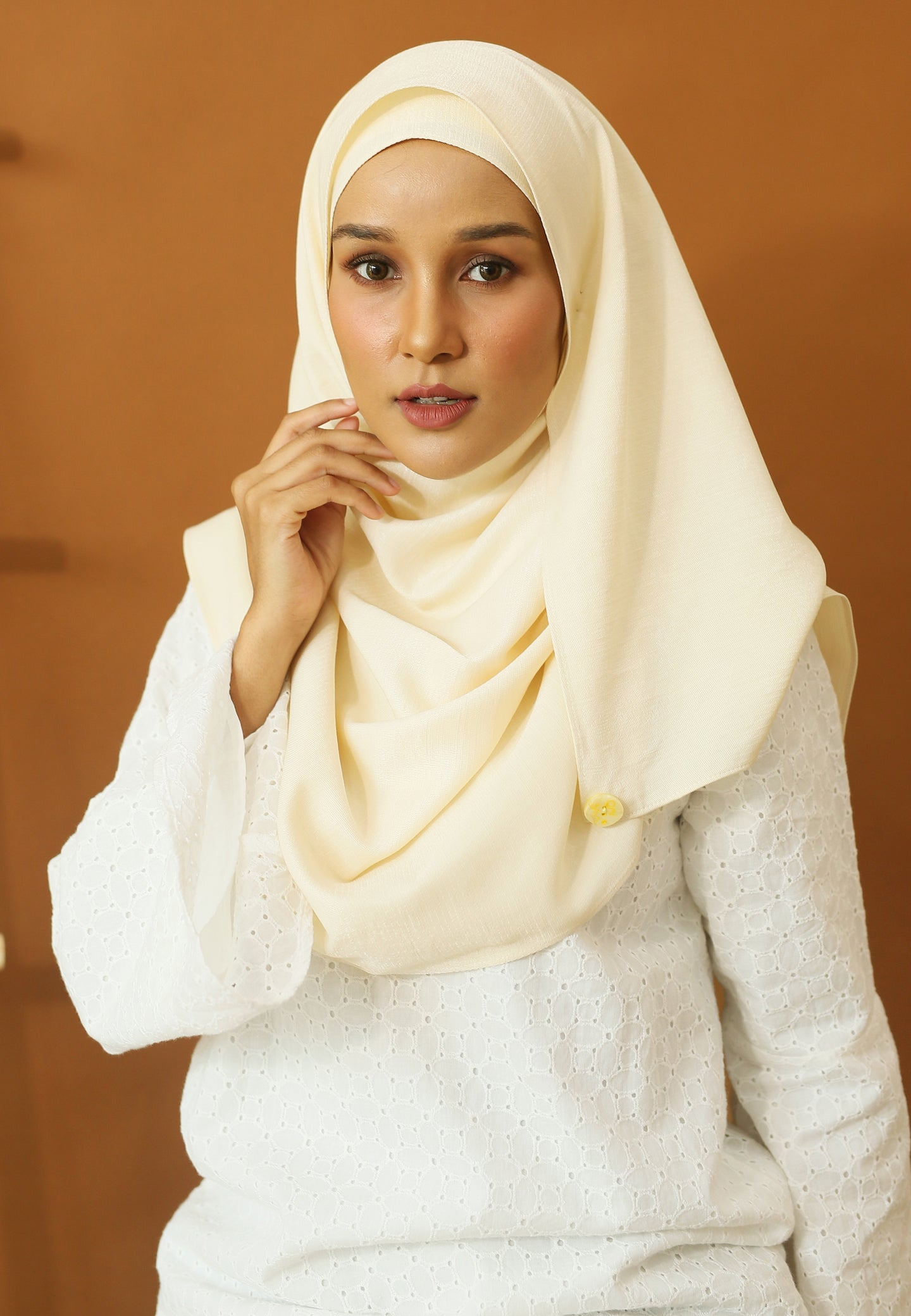 Hasnaa Cotton Shawl (Cream)
