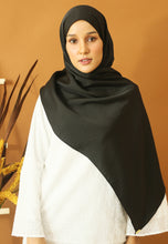 Load image into Gallery viewer, Nisma Satin Shawl (Black)