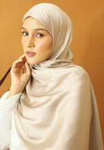 Load image into Gallery viewer, Miska Satin Shawl (Beige)
