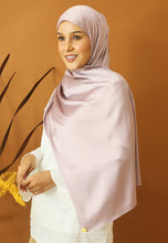 Load image into Gallery viewer, Miska Satin Shawl (Dusty Purple)
