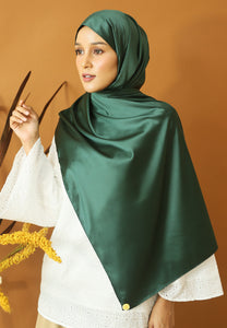 Miska Satin Shawl (Emerald Green)