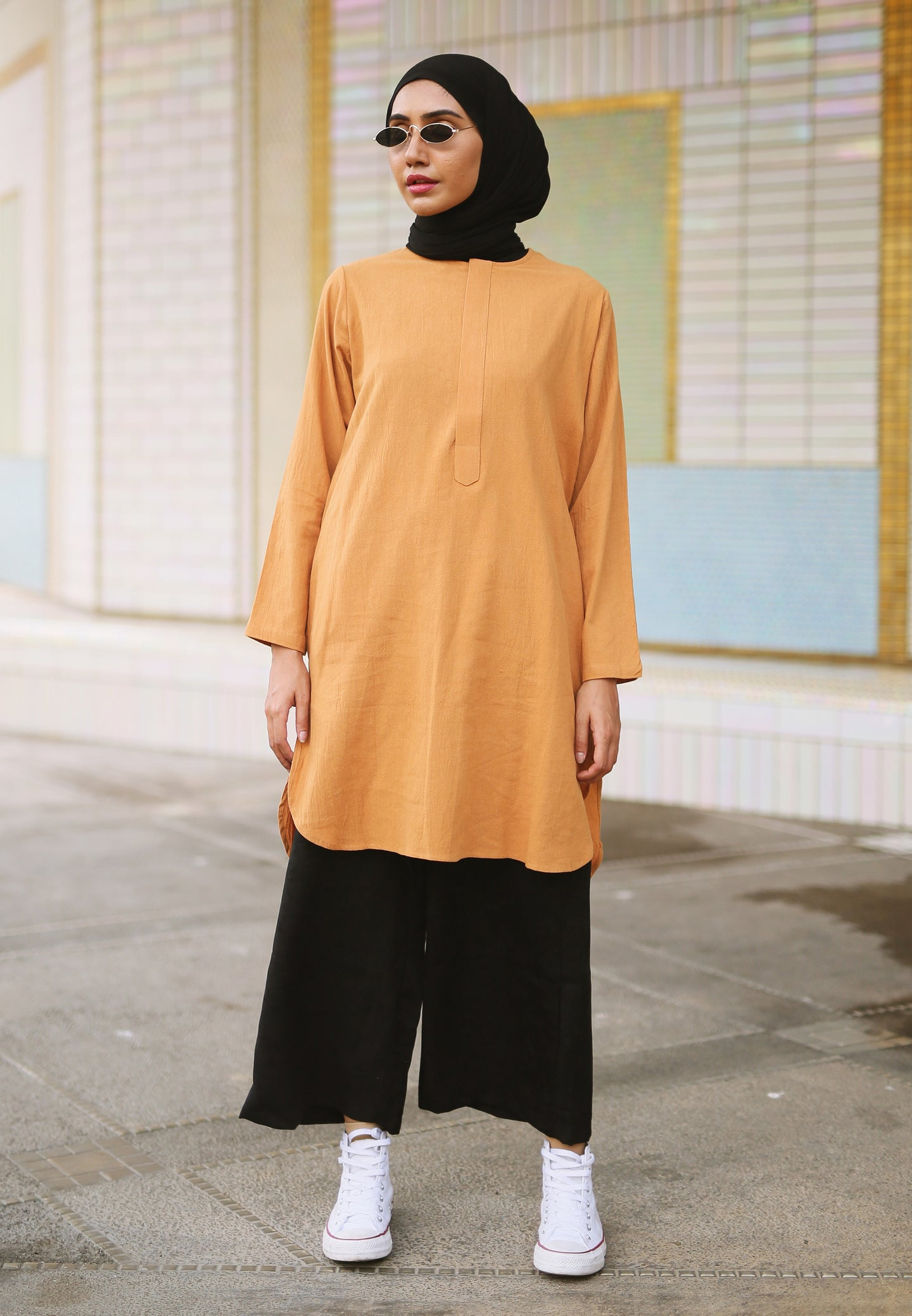 Mahdia Linen Top (Earth Brown)