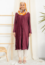 Load image into Gallery viewer, Dalia Pleated Top (Dark Maroon)