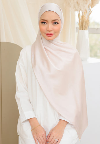 Azalea Satin Shawl (Powder Pink)