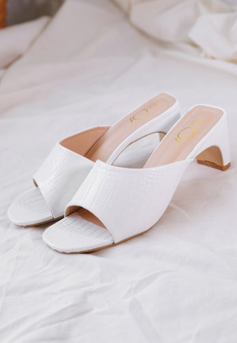 AS-IS 68 - Amel Panel Mules (White)