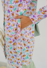 Load image into Gallery viewer, Lamees Flower Top (Mint Green)