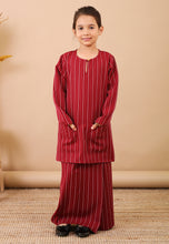 Load image into Gallery viewer, Seroja Kids Kurong (Cherry Red)