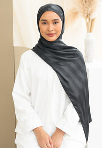Orked Satin Shawl (Black)