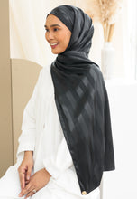 Load image into Gallery viewer, Orked Satin Shawl (Black)