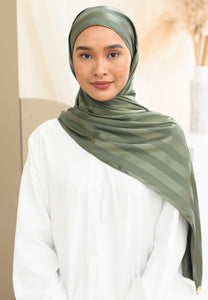 Orked Satin Shawl (Olive Green)