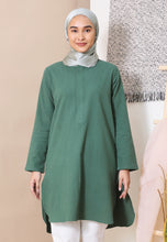 Load image into Gallery viewer, Mahdia Linen Top (Emerald Green)