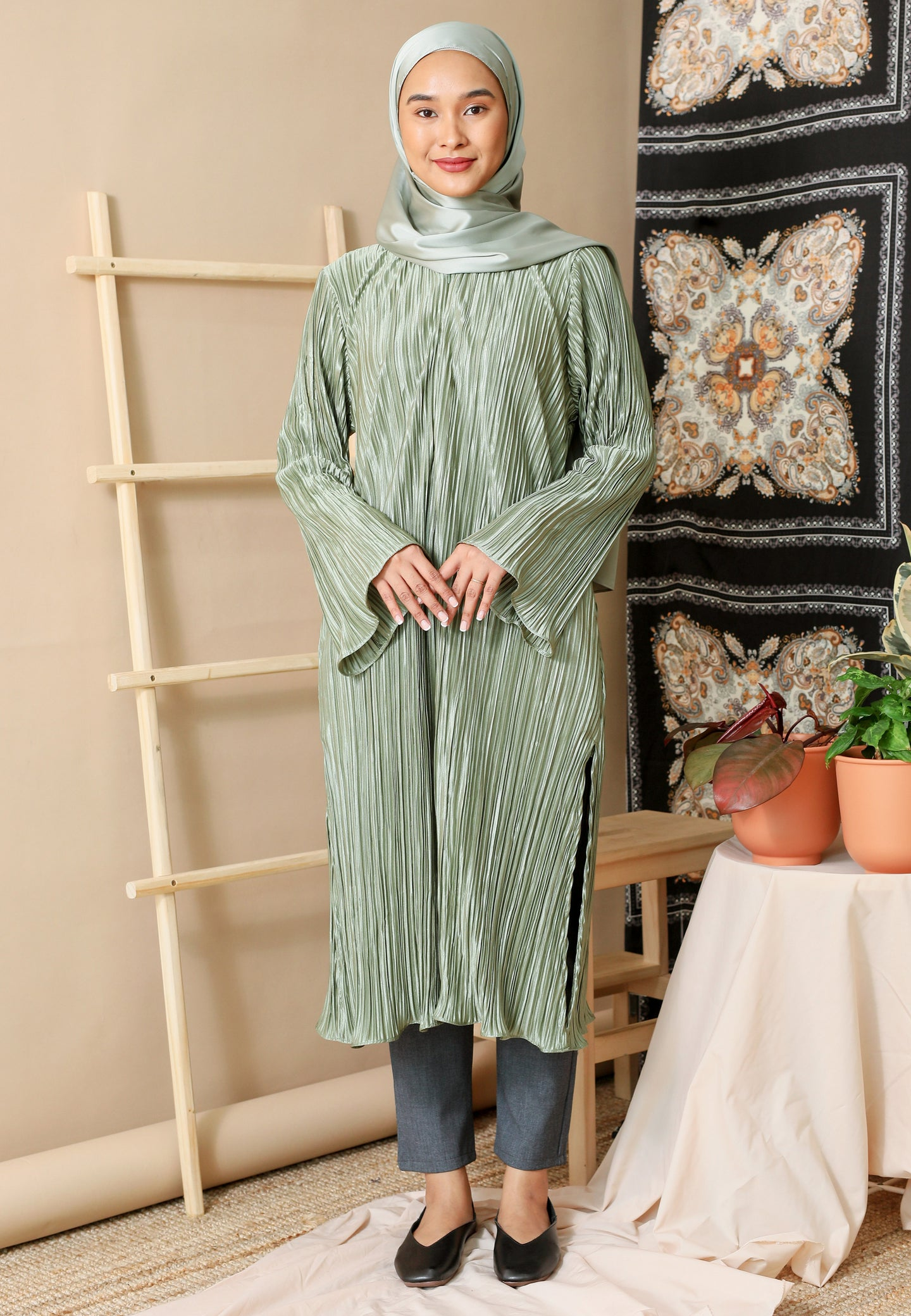 Dalia Pleated Top (Olive Green)