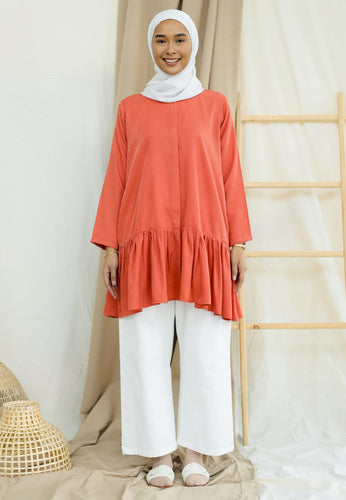 Lunaa Ruffle Top (Brick)