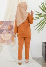 Load image into Gallery viewer, Hanaa Casual Tapered Set (Caramel)