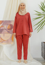 Load image into Gallery viewer, Hanaa Casual Tapered Set (Brick)