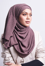 Load image into Gallery viewer, Hessa Wide Shawl (QH Gold Tag) - Ash Brown