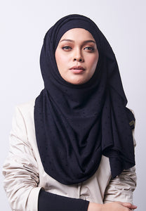 Hessa Wide Shawl (QH Gold Tag) - Black