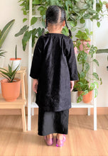 Load image into Gallery viewer, Kayla Cotton Lace Kids Kurong (Black)