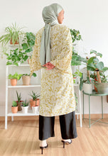 Load image into Gallery viewer, Lufaa Cardigan Top (Lettuce Green)